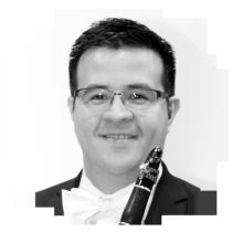 Roberto Flores (Clarinete)